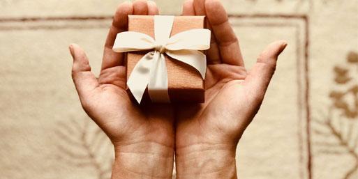 Wie viel ist zu viel? Der Wert von Geschenken in einer Beziehung