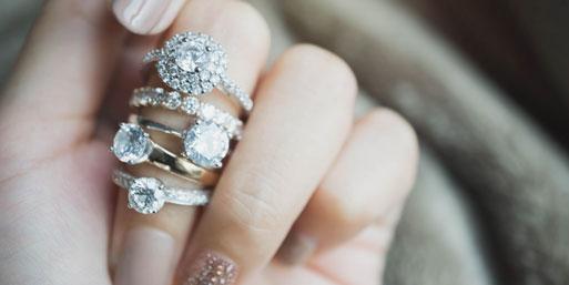 Den Verlobungsring selbst gestalten: So geht's