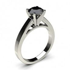 Schwarzer Diamant Verlobungsring medium in einer 4er-Krappenfassung