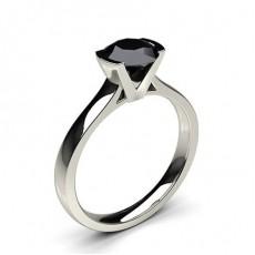 Schwarzer Diamant Verlobungsring medium in einer Halbzargenfassung