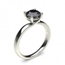 Schwarzer Diamant Verlobungsring in einer 4er-Krappenfassung
