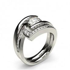 Diamant Verlobungsring in einer Kanalfassung mit passenden Ring