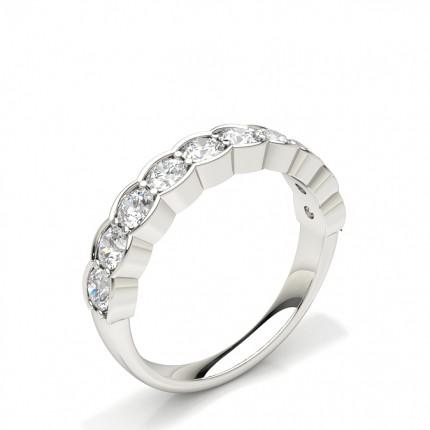 Halb Eternity Diamant Ring in einer Pavéfassung