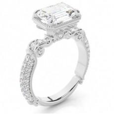 Bague de fiançailles à diamants émeraude et sertissage 4 griffes